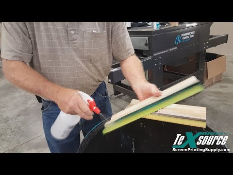 Using Chem 8100 to Clean Screens and Squeegees