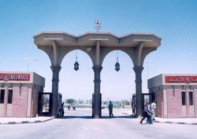 http://www.shorouknews.com/uploadedimages/Sections/Egypt/Eg-Politics/original/Al-Azhar-University-in-Assiut1868.jpg