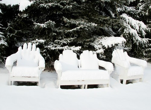 white lounge 2