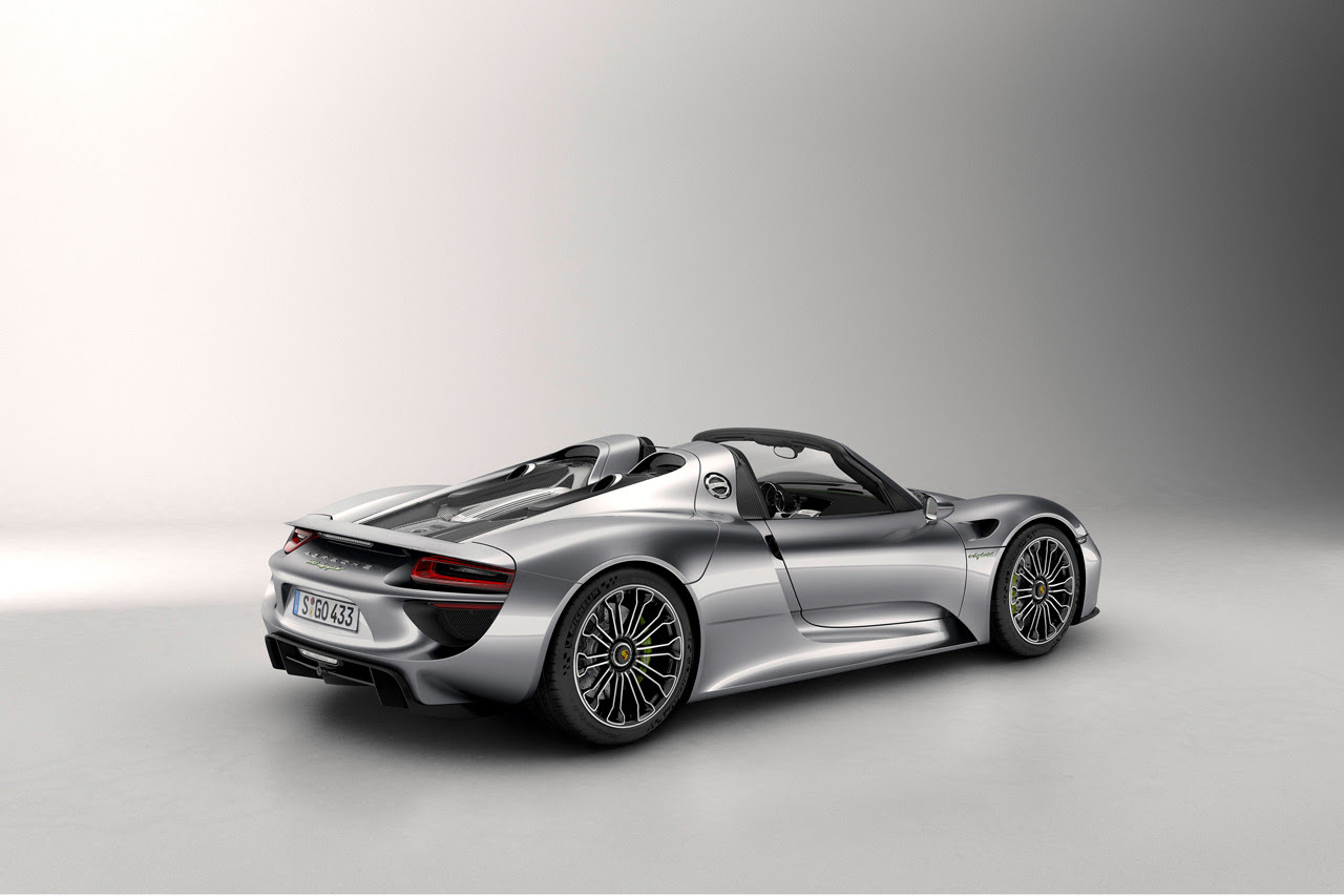 The Porsche 918 Spyder Sets New Nurburgring Lap Record Hre