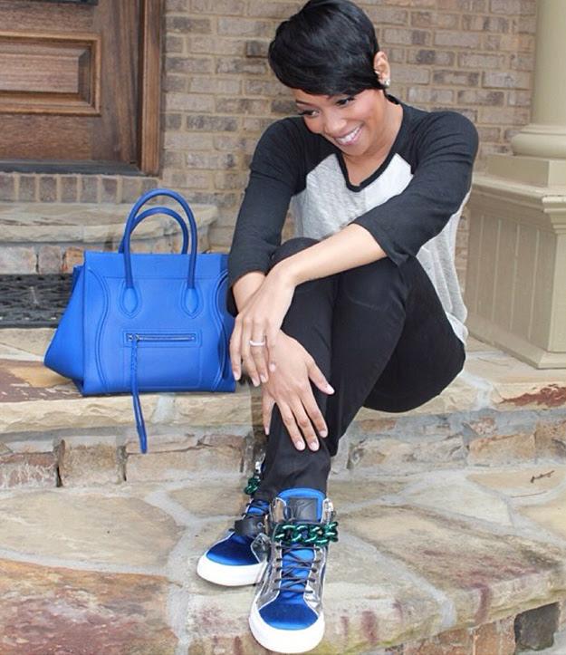 splurge-monica-brown-giuseppe-zanotti-mens-blue-and-white-tonal-chain-sneaker-back-1