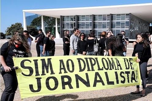 protestam a favor do diploma de jornalista (Foto: Antonio Cruz / Agência Brasil)
