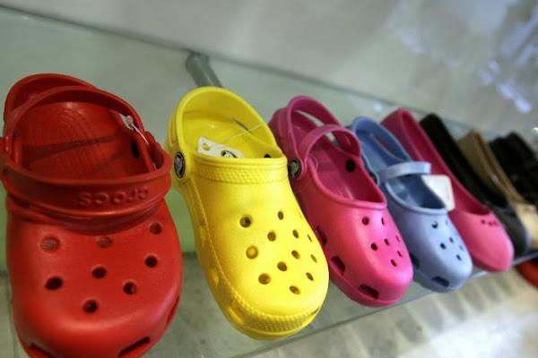 e0e235f563 'Tatequieto' a la producción de las imitaciones de los zapatos 'Crocs'