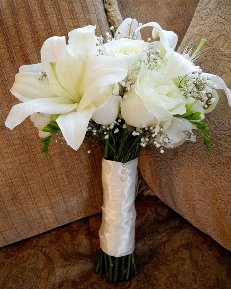 Best 25  White lily bouquet ideas on Pinterest   Rose and