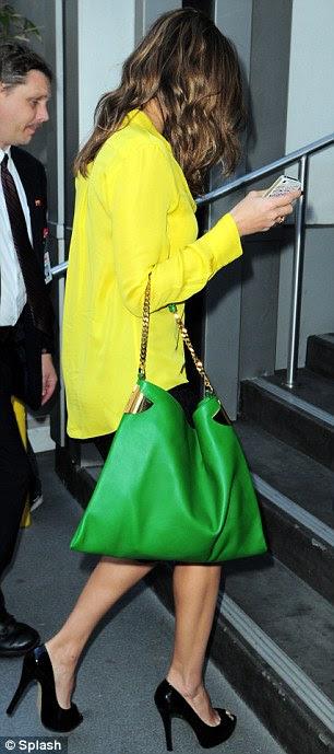 Technicolor: A atriz usava limão e verde na quinta-feira e uma jaqueta verde no dia anterior