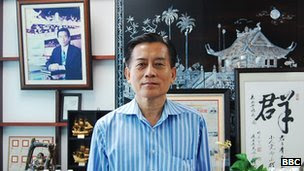 Businessman Lim Cheah Chooi hires Malaysian or Singaporean Chinese managers for his factories in China