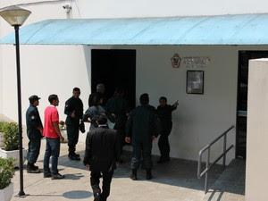 Guardas Municipais foram à Câmara Municipal de Manaus na manhã desta segunda (Foto: Suelen Gonçalves/G1 AM)