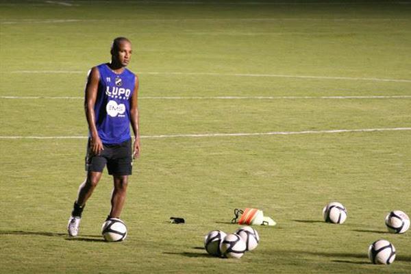 O camisa 9 do ABC foi o artilheiro da Copa do Nordeste com cinco gols e é um dos artilheiros do Estadual também com cinco gols marcados