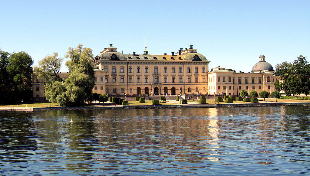 Drottningholm Palace from the Water.jpg