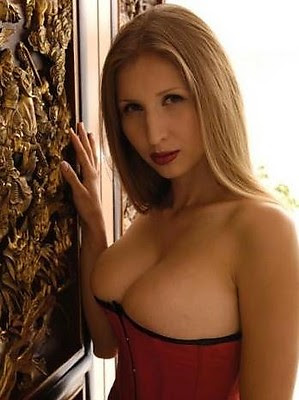 Claudia Ciesla top exposed picture