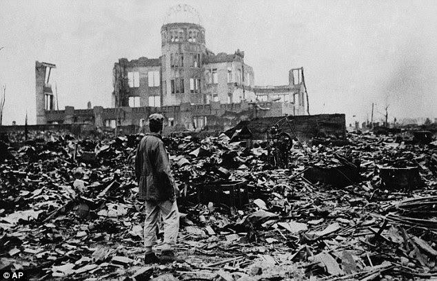 Seletiva: centros do Japão história do século XX em torno das bombas atômicas lançadas sobre Hiroshima e Nagasaki (foto), em vez de as atrocidades da guerra sino-japonesa