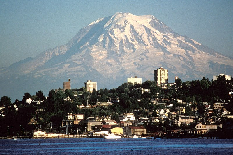 File:Mount Rainier over Tacoma.jpg