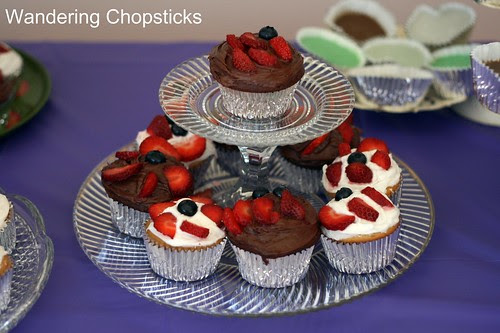 How to Make a Tiered Cupcake Stand 11