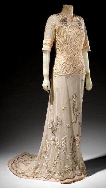 Edwardian Tea Dress - c.1912.