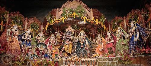 NrsChat-RM-altar by Mayapur