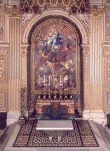Kör kapell med altare där relikerna av St Johannes Chrysostomos