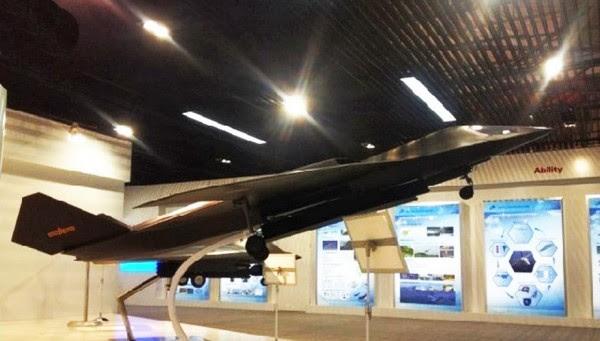 H-18 de mediano alcance supersónico bombardero Stealth 2