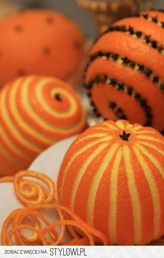 Christmas Spicy Pomanders, a colonial era tradition.