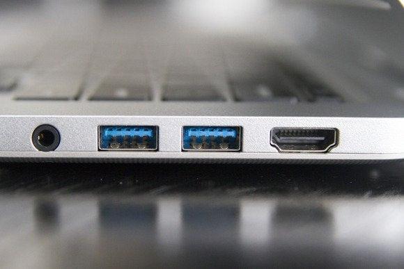 portas toshiba CB35 A3120 Chromebook fevereiro 2014 lado direito