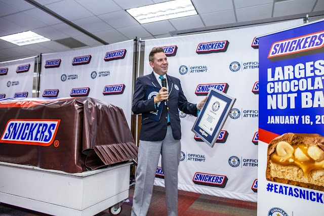Mars Wrigley creates largest-ever Snickers bar
