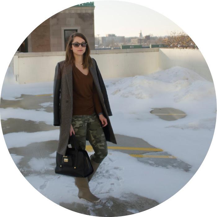 gap camo pants, what to wear with, joie rust sweater, zara houndstooth coat, loeffler randall rain boots, dash dot dotty, ootd