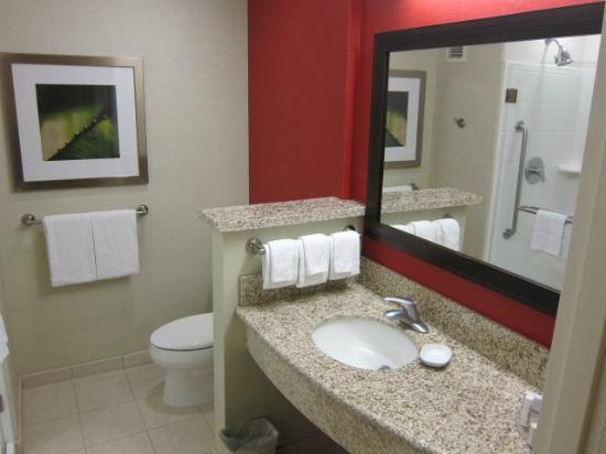 Bathroom - Picture of Courtyard by Marriott Santa Ana John Wayne ...