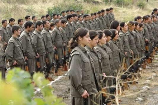 Η Τουρκία επιμένει να παραδώσουν όπλα οι Κούρδοι