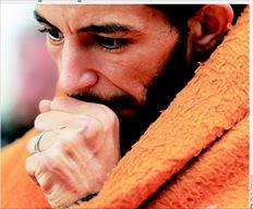 Η ζυγαριά δείχνει ότι το βάρος του  απεργού πείνας Χασάν είχε φτάσει  χθες τα 51 κιλά. Το ύψος του είναι  1,70