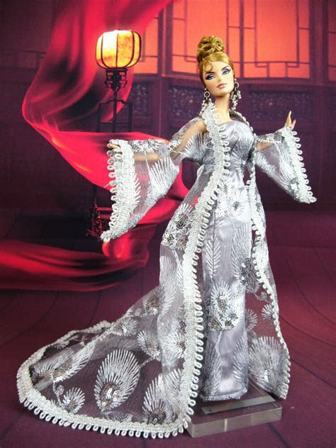 Eaki Silver Coat Outfit Gown Chinese Dress Silkstone