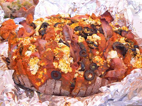 pain garni feta cuit.jpg