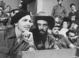 Camilo Cienfuegos y Raúl Castro (Foto Life)