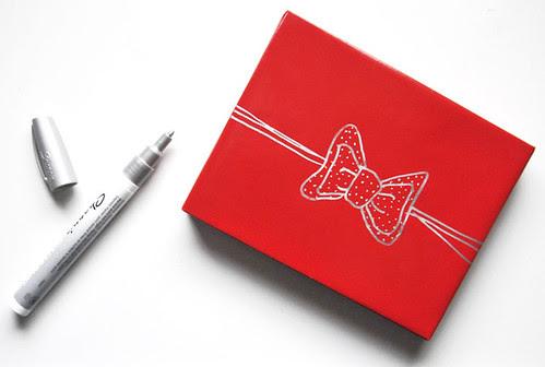 RedGiftBox_DrawYourGiftBows via NicePackageBlog, Be My Valentine, gift, love, present, gift ideas