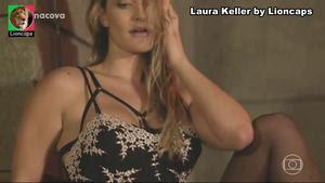 Laura Keller sensual na serie Pé na Cova