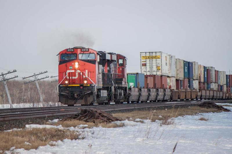 CN 2314 outside Winnipeg