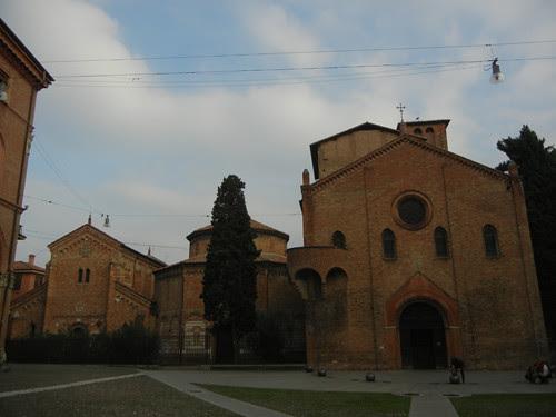 DSCN5000 _ Basilica Santuario Santo Stefano and Piazza Santuario Santo Stefano, Bologna, 18 October