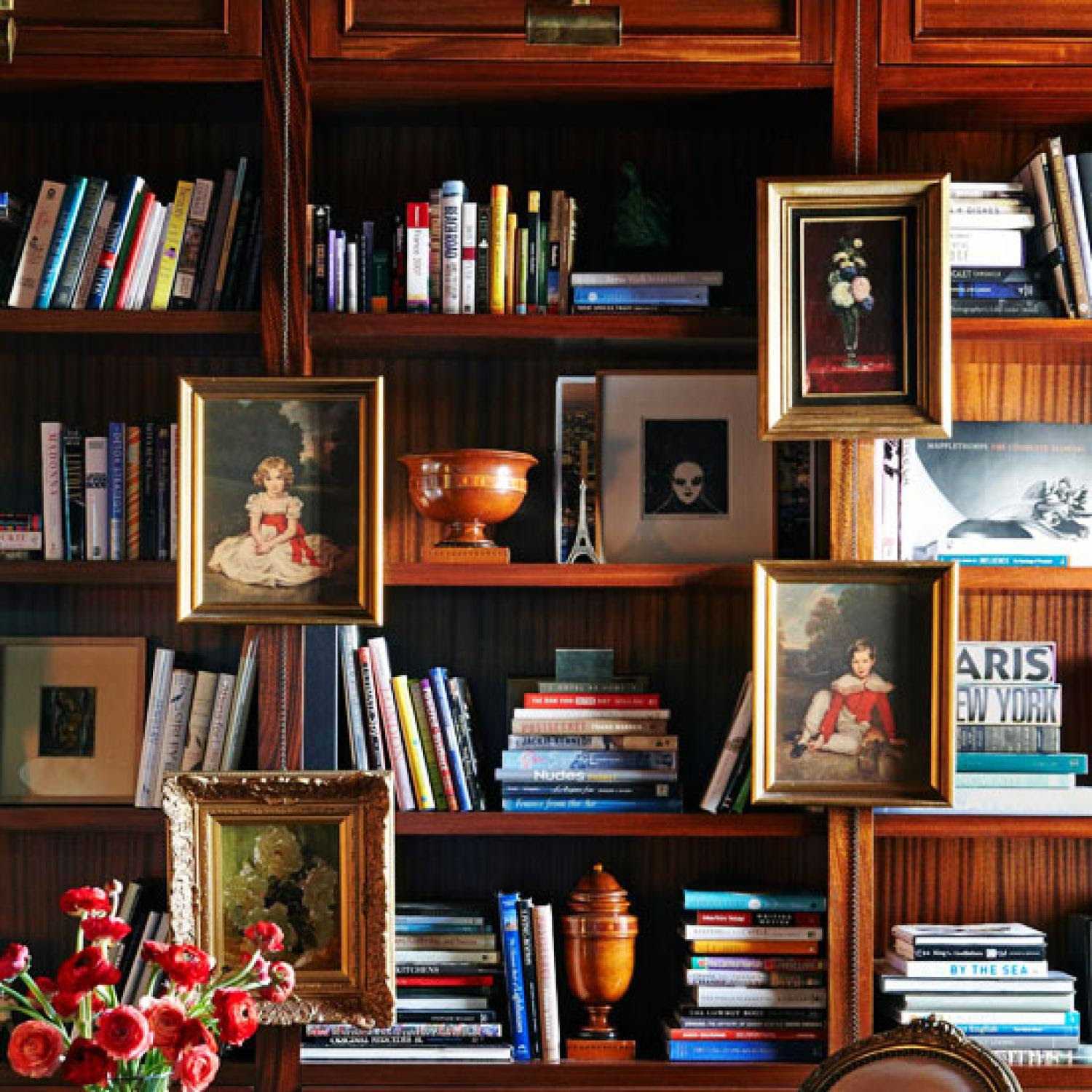 Stylish Ideas For Arranging And Organizing Bookcases Traditional Home