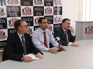 Delegados e investigadores falaram sobre o caso (Foto: Orion Pires/G1)