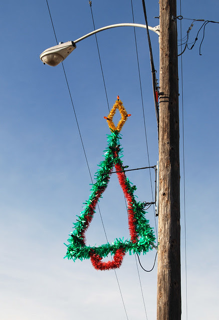 christmas tree light pole decoration a photo on flickriver home commercial decor light pole decorations light pole decorations