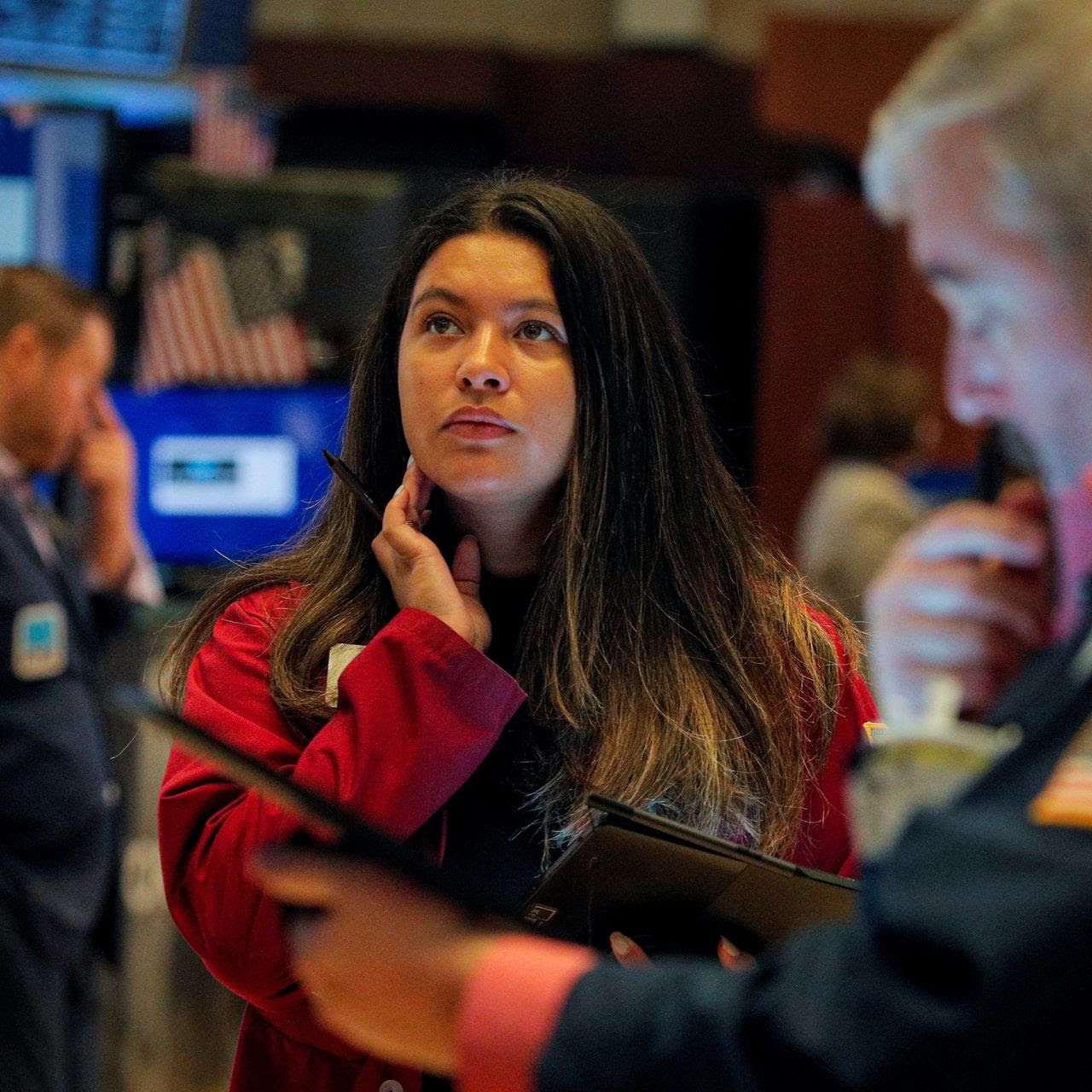 Stock Futures Rise Ahead of Bank Earnings