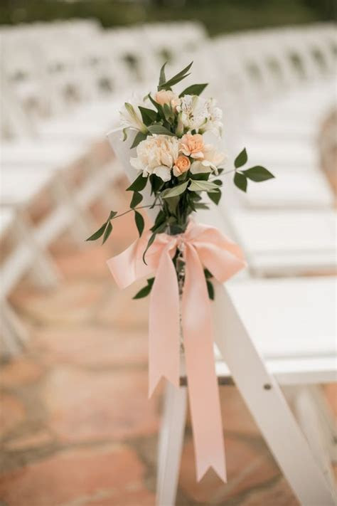 Pin by Ruffled   Wedding Blog w/ Ideas and Tips on Flowers
