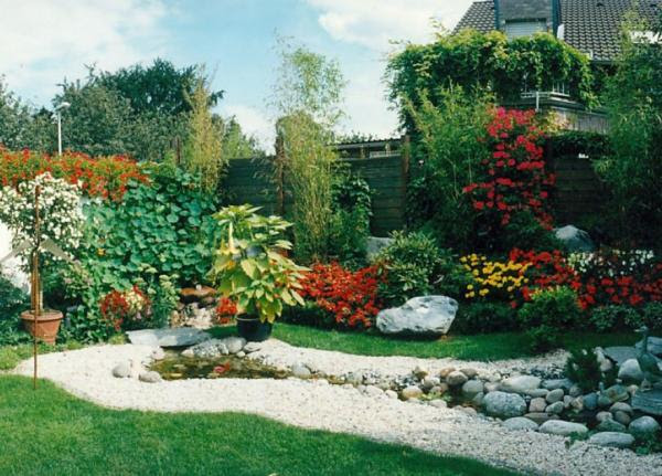 Small Garden Ideas and Yard Landscaping | House Decorating Ideas
