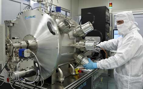 Una de las fases de producción de grafeno en la empresa Graphenea, en San Sebastián.