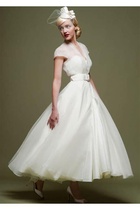 Cutting Edge Brides, short, 50s, retro, tea length wedding