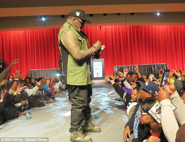 Crowdpleaser: Bobby also hit the stage on Saturday, and Circle of Sisters attendees seemed overjoyed as the star stopped to sign some autographs