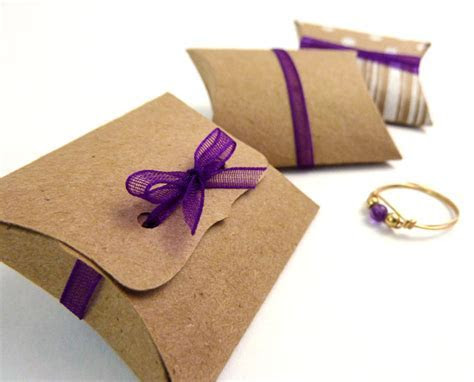 Mini Pillow Boxes 25 DIY Kraft favor boxes 2 by