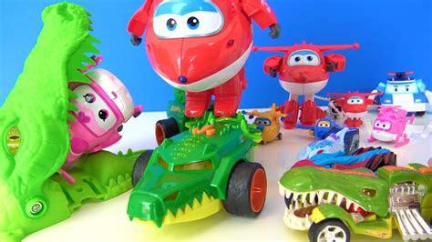 canavar arabalar harika kanatlar oyuncaklarina karsi