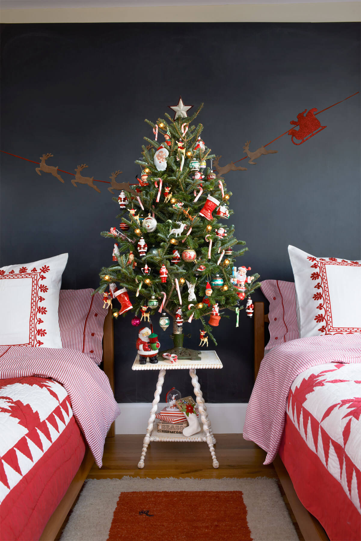 13+ Christmas Tree Decoration Ideas 2017 - LiveEnhanced ...