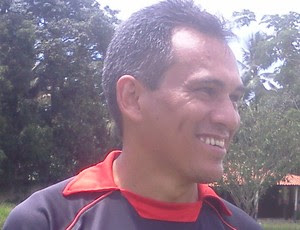 Bira Lopes, técnico do  Moto Club no Campeonato Maranhense 2012 (Foto: João Ricardo/Globoesporte.com)