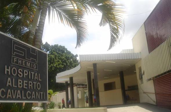 Resultado de imagem para Hospital Alberto Cavalcanti