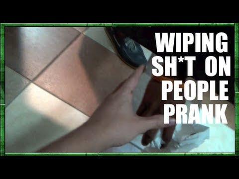 Pegadinha do banheiro com nutella